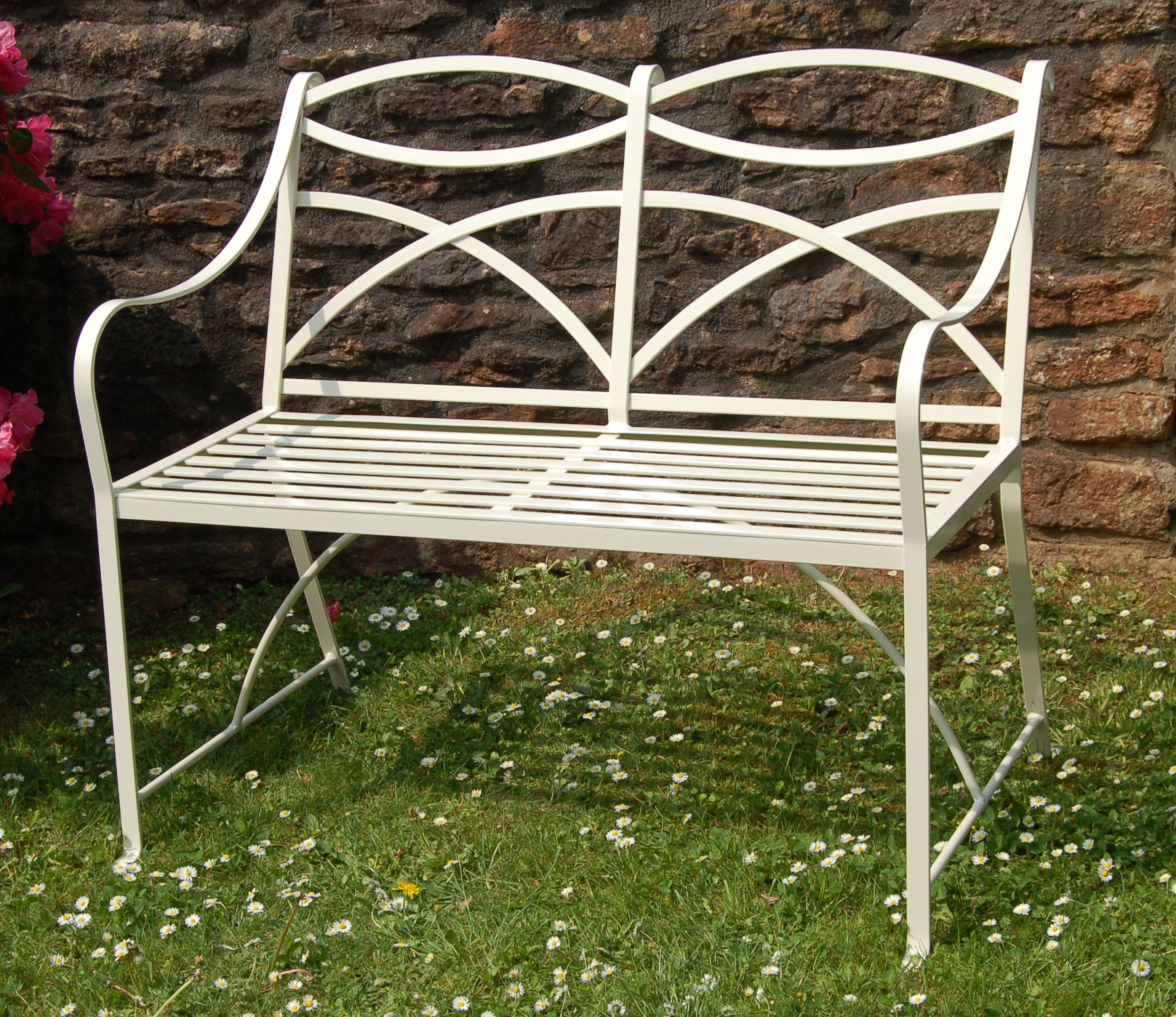 Classic benches in wrought iron Garden benches metal