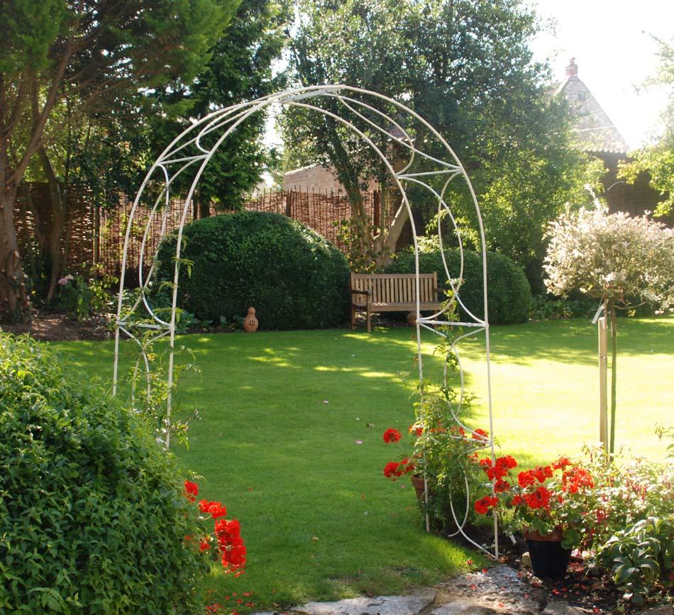 Crossover Garden Arches