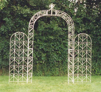 PAVILION GARDEN ARCHES POINTED WHITE 4 FOOT OPENING WITH PANELS ATTACHED